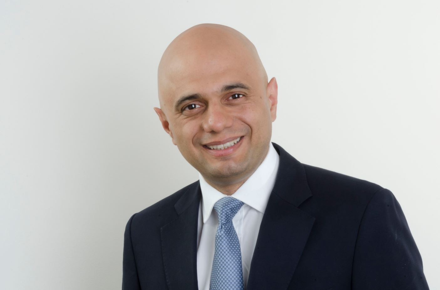 bromsgrove mp backs residents in perryfields homes fight